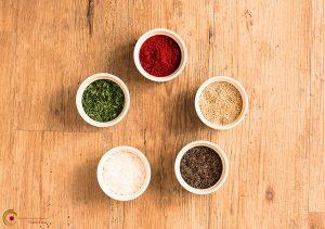 5 Elemente Ernährung - die fünf Elemente dargestellt mit Kräuter und Gewürzen - Nicole Fietz - Heilpraktikerin in Köln am Neumarkt
